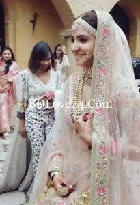 Virat Kohli & Anushka Sharma weddings pictures 2 all are unseen